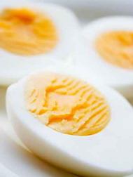 Σαλάτα κουτουρού με βραστά αυγά, πατάτες, μαρούλι, μαγιονέζα