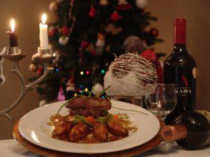 Γιορτινό μενού με πρώτο πιάτο, κυρίως πιάτο και επιδόρπιο από τον Chef Νίκο Γιαλούρη