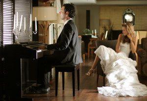 Νύφη και γαμπρός σε καλλιτεχνική φωτογράφιση του Πάνου Ρεκουνιώτη