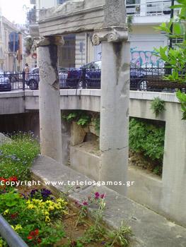 Αρχαία ευρήματα στο προαύλιο της Αγίας Αικατερίνης στην Πλάκα