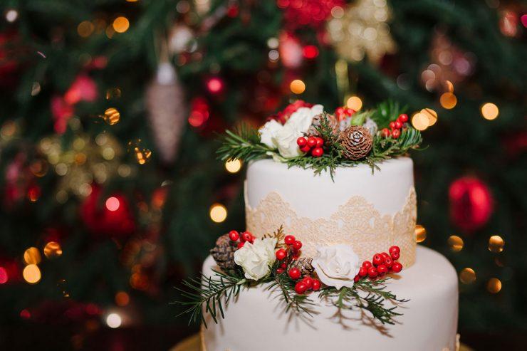 χριστουγεννιάτικος γάμος christmas wedding cake