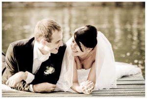 oi taseis ston gamo to 2012 wedding trends