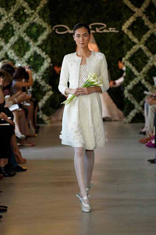 Short wedding dress Oscar de la Renta 2013