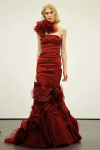 nifika vera wang anoixi 2013 Crimson strapless mermaid gown