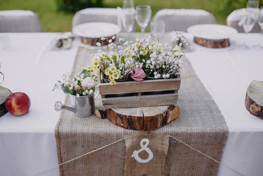 Rustic wedding Διακόσμηση γάμου με λινάτσα gamos dexiosi rustic diakosmisi linatsa