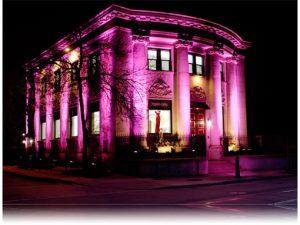 Το κτίριο όπου στεγάζονται τα κεντρικά γραφεία και το ατελιέ του Stephan Caras στο κέντρο του Τορόντο
