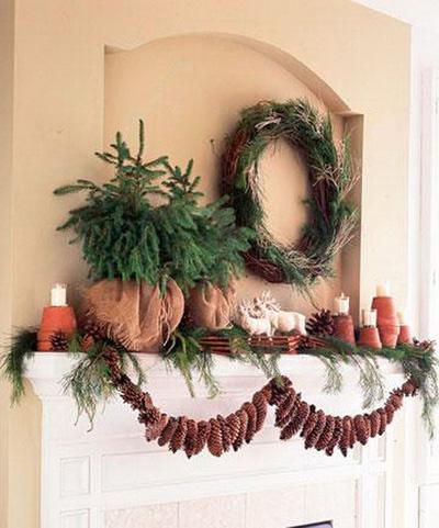 Χριστουγεννιάτικη διακόσμηση στο τζάκι