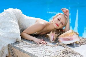 Honor the dress wedding & fashion photography