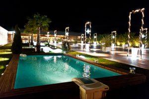 Εξωτερικός χώρος στο Anais Club στη Βαρυμπόμπη