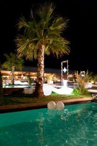 Υπέροχη ατμόσφαιρα στο Anais Club στη Βαρυμπόμπη