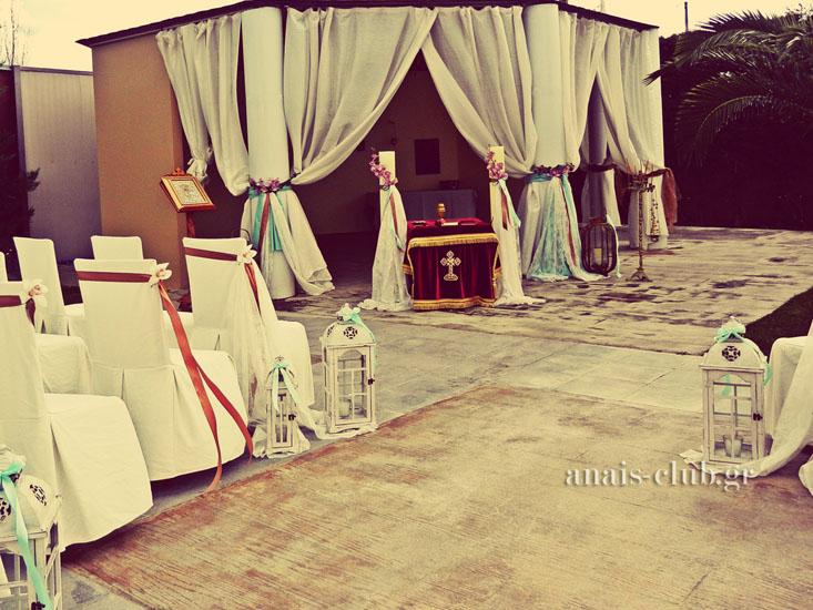 Εκκλησάκι στο Anais Club στη Βαρυμπόμπη όπου τελούνται γάμοι και βαπτίσεις