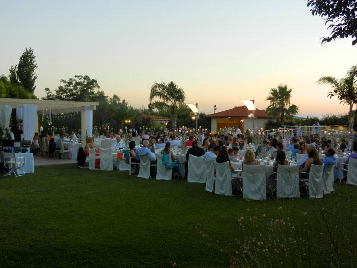 Δεξίωση γάμου στον εξωτερικό χώρο Κνωσσός του κτήματος Αριάδνη