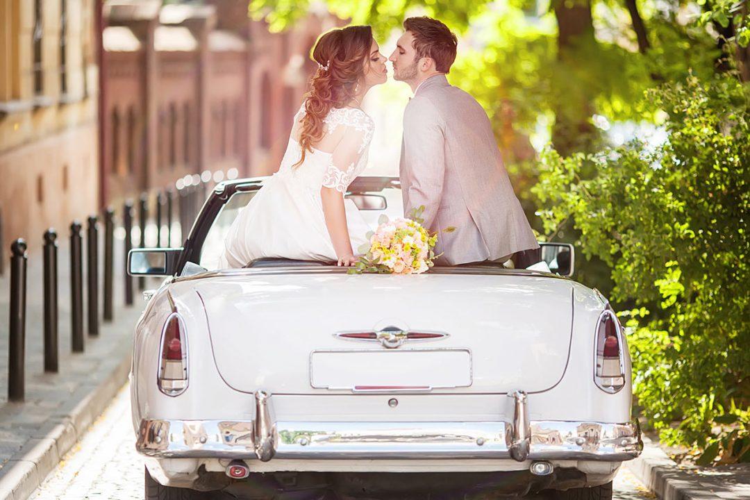 Νυφικό αυτοκίνητο και νιόπαντροι wedding bridal car tips for driver