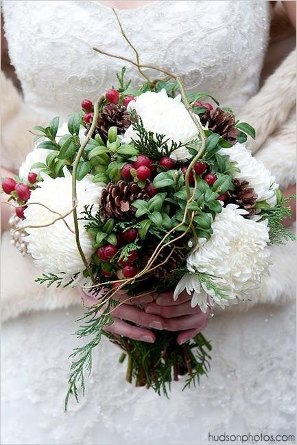 bridal bouquet with berries for Christmas wedding