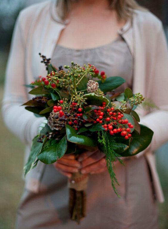 christmas winter bridal bouquet mistletoe