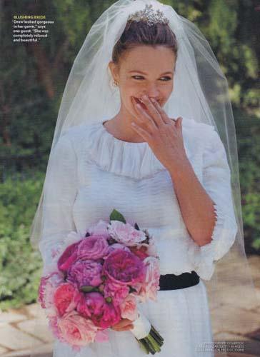 H Drew Barrymore forontas to Chanel nyfiko tis