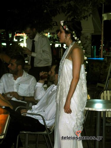 Η Ειρήνη είχε διαλέξει ένα νυφικό που ταίριαζε με το στυλ του γάμου της