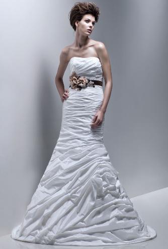 Νυφικό φόρεμα enzoani 2011