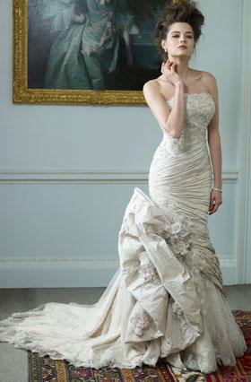 Bridal collection 2012 Killer Queen by Ian Stuart wedding dress Chevallier
