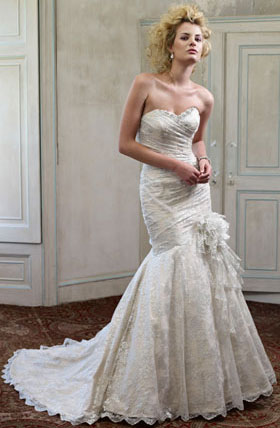 Ian Stuart wedding collection Killer Queen model Santa Monica