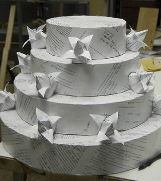 τούρτα διαζυγίου από χαρτιά διαζυγίων