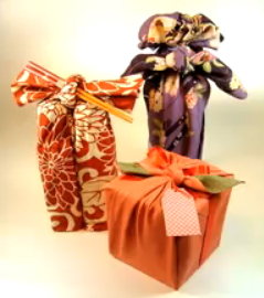 Περιτύλιγμα δώρων από ύφασμα