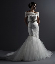 Photo from justinalexanderbridal.com