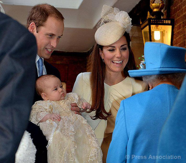Βάπτιση του πρίγκηπα George γιου της Kate και του William