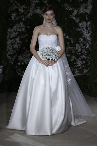 νυφη 2012 με νυφικο carolina herrera