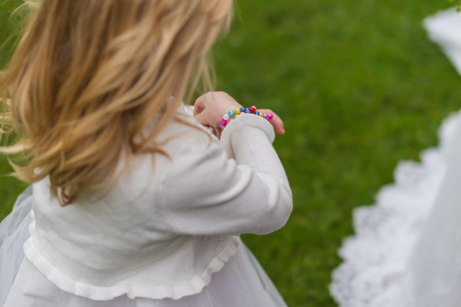 παιδιά στη δεξίωση γάμου