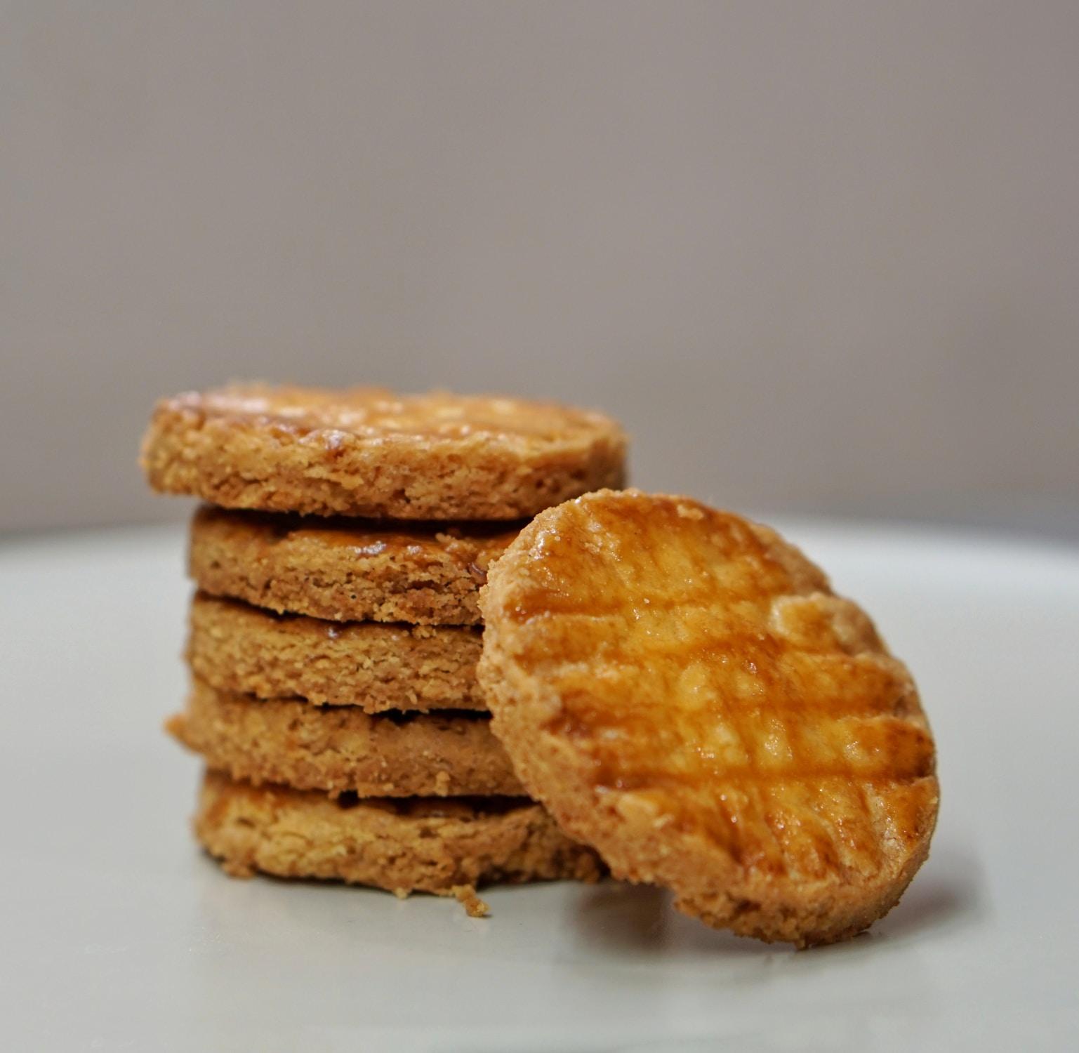 Μπισκότα βουτύρου εύκολη συνταγή για τα Χριστούγεννα