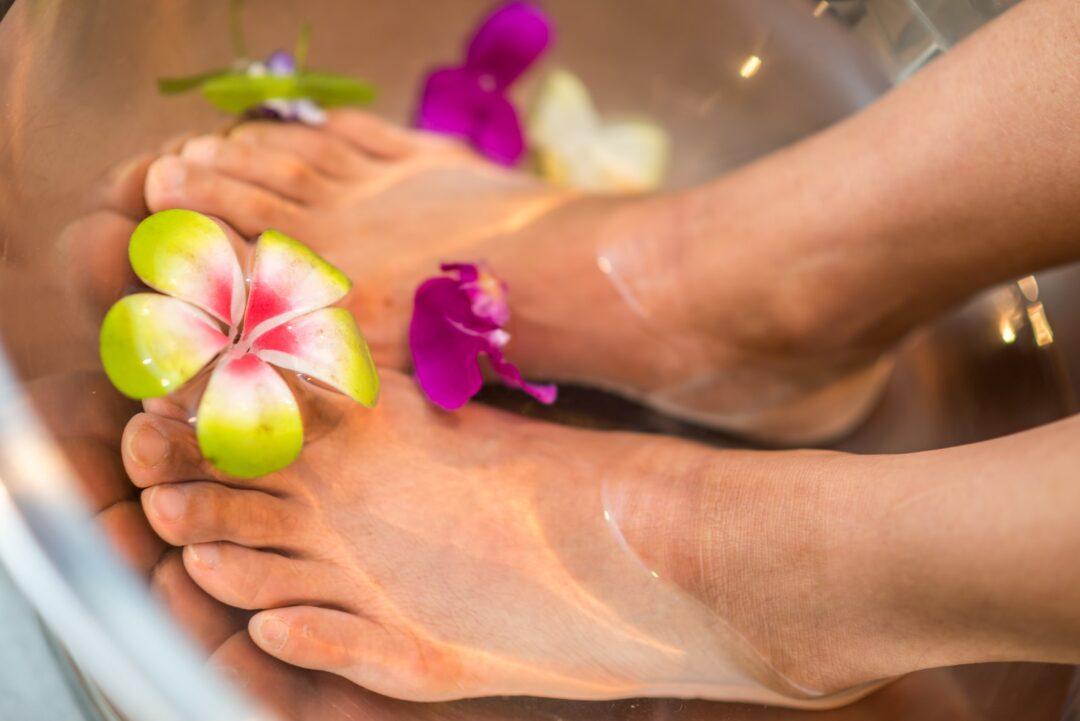 spa μανικιουρ, πεντικιούρ- περιποίηση και χαλάρωση