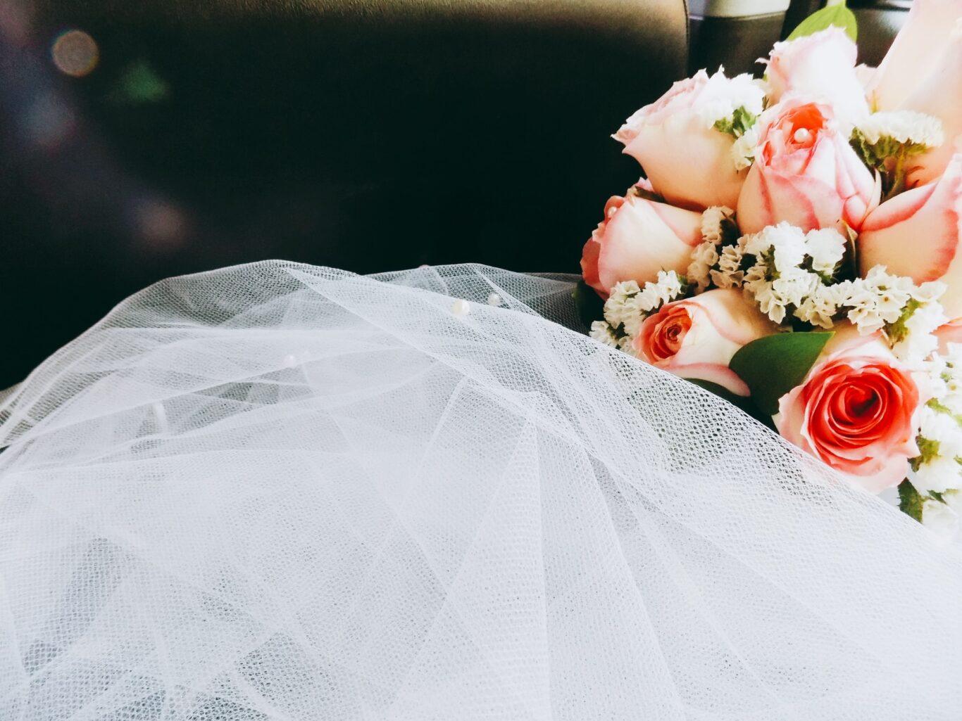 λουλούδια και στολισμός δεξίωσης