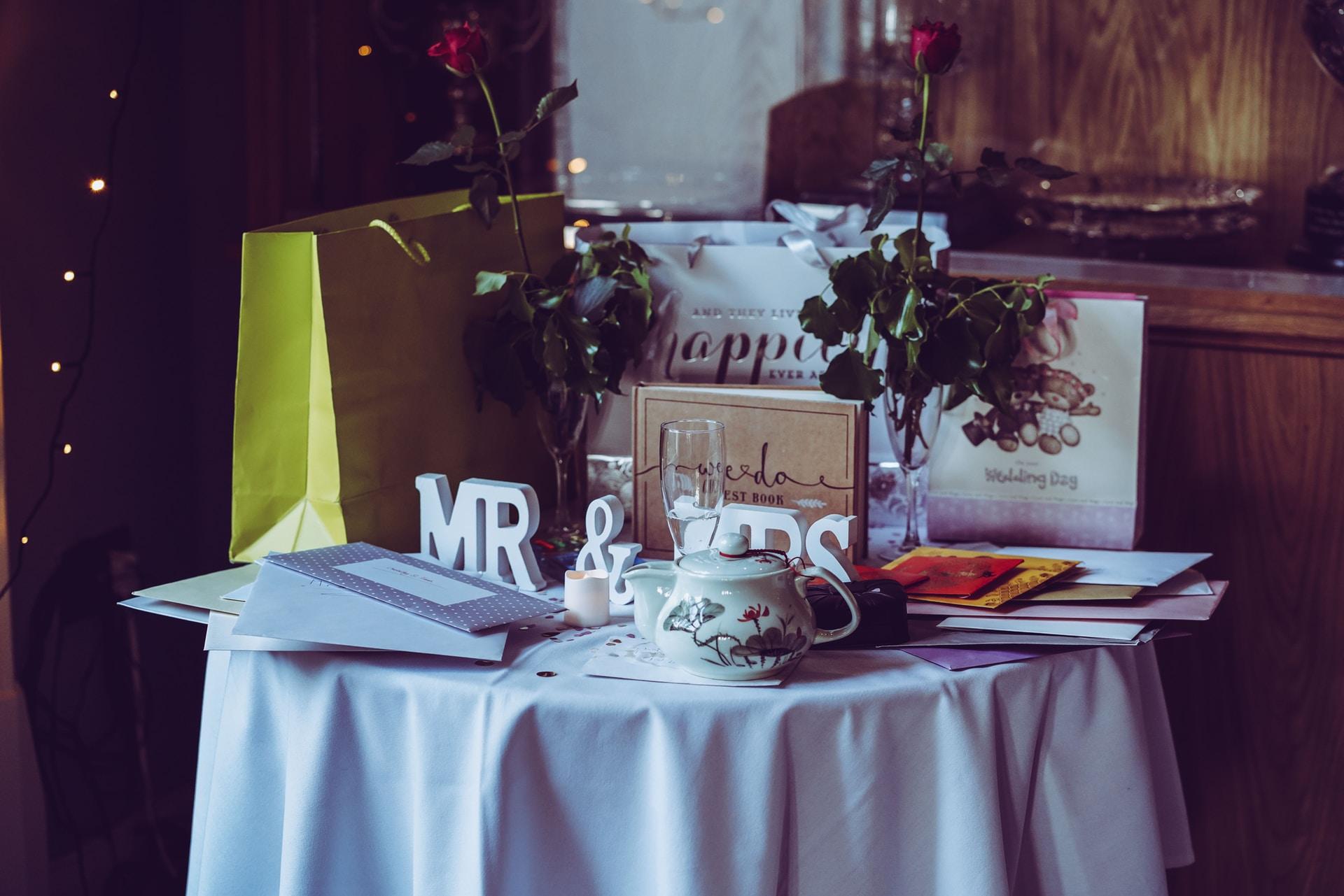 φτιάχνοντας την λίστα γάμου