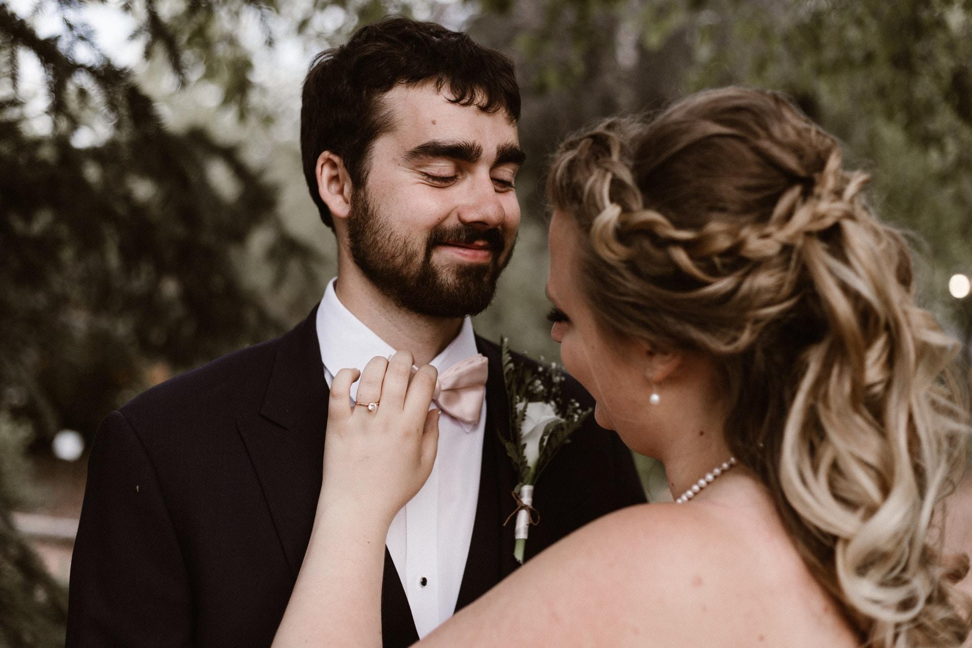 Κάντε τον γαμπρό να βοηθήσει στον γάμο