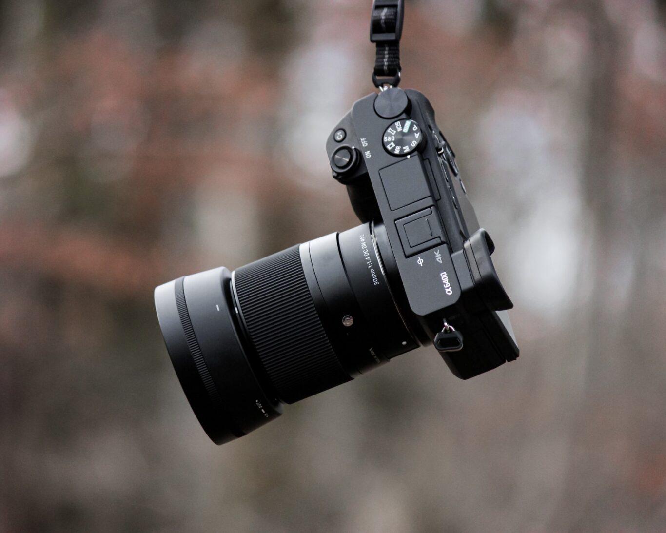 βρήκατε καμεραμαν για τον γάμο;