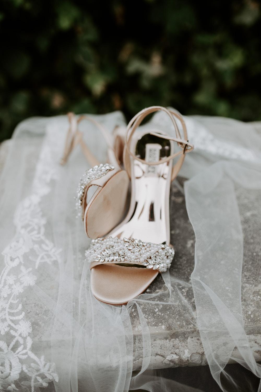 Νυφικά παπούτσια πέδιλα