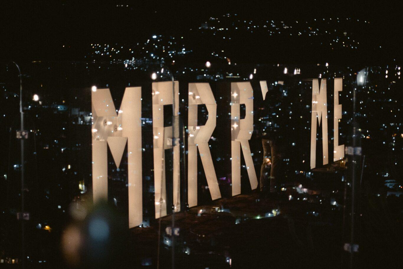 Marry me - Πρόταση γάμου σε ρομαντικό δείπνο